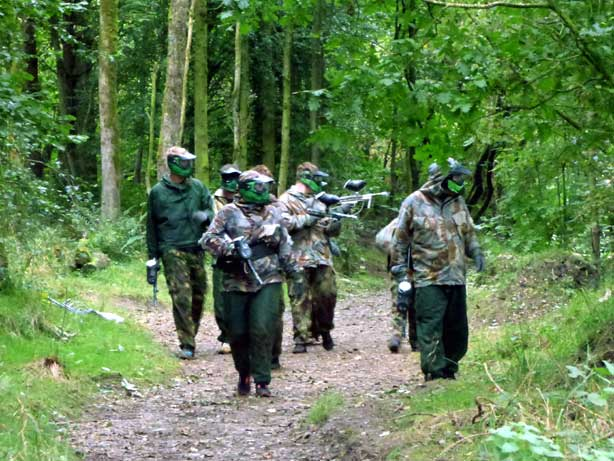 green paintball players on the search